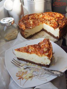 Cynamonowe szczescie: Puszysty fit sernik jogurtowy Cookie Desserts, Cookie Recipes, Helathy Food, Clean Recipes, Cheesecakes, Cake Cookies, Healthy Snacks, Deserts, Food And Drink