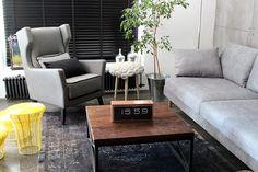 Showroom | Esencja Design - meble naszej produkcji m.in. sofa, fotel, stolik kawowy.