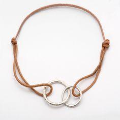 bracelet-2-cercles-anneaux-entrelaces-argent-recycle-joaillier-createur-paulette-a-bicyclette-paris