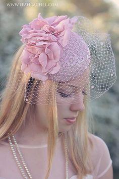 Rose bibi Hat, kentucky Derby Hat, chapeau chapeau Lunchen, steeple, Derby Hat, chapeau de course, Tea Party Hat, par Ruby & de Cordelia