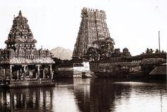 1932 Suchindram Temple : Sri Sthanumalayswami & a Anjaneyar Kanyakumari, Tanjore Painting, Web Magazine, Indian Art, Art And Architecture, Paris Skyline, Beautiful Places, Nostalgia, Sculptures