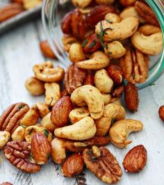 Sweet and Spicy Rosemary Bar Nuts Tips for Customized Roasted Mixed Nuts and Homemade Snack Mixes on Katie Goodman christmas nuts Snack Mix Recipes, Nut Recipes, Appetizer Recipes, Cooking Recipes, Snack Mixes, Appetizers, Easy Recipes, Easy Snacks, Healthy Snacks