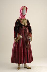 Bridal apparel from Skiathos. ©  Museum of Greek Folk Art, Athens