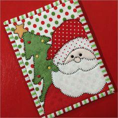 ideas patchwork navidad ideas mug rugs Christmas Mug Rugs, Christmas Wall Hangings, Christmas Placemats, Christmas Applique, Christmas Crafts, Mug Rug Patterns, Applique Patterns, Canvas Patterns, Quilt Patterns