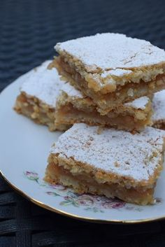 Romanian Desserts, Romanian Food, Sweets Recipes, Cake Recipes, Cooking Recipes, Coffee Dessert, Different Cakes, Pastry And Bakery, Homemade Cakes