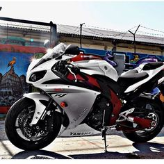 Yamaha YZF R1. I've been 160 on the highway sitting on the back of one of these baby's.