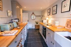 A beautifully decorated, listed North Norfolk holiday cottage near to The Quay in Blakeney Village. Gillie Cottage is the perfect coastal getaway. Book now.