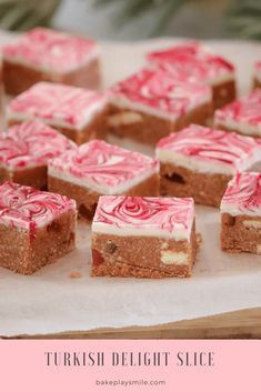 - Turkish Delight Slice – Conventional Method This TURKISH DELIGHT SLICE is the BEST no-bake slice ever! A basic biscuit base made with Turkish Delight chocolate and scattered with extra chunks of Turkish delight… topped with a white chocolate layer. Tray Bake Recipes, Baking Recipes, Cookie Recipes, Milk Recipes, Easy Desserts, Delicious Desserts, Yummy Food, Yummy Yummy, Chocolates