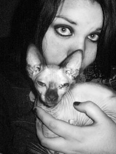 Sara and her egyptian Kitty Stella