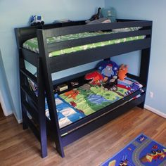 Bunk beds are great to save bedroom space with 2 or more person. If you want to build it, bookmark this collection of free DIY bunk bed plans. Bunk Beds Small Room, Wood Bunk Beds, Bunk Beds With Stairs, Kids Bunk Beds, Small Rooms, Twin Room, Bunk Rooms, Kid Rooms, Guest Rooms