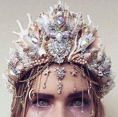 Pretty peaches and aura quartz Seashell Crown, Mermaid Crown, Magical Jewelry, Crystal Crown, Circlet, Bridal Crown, Fantasy Jewelry, Tiaras And Crowns, Cute Jewelry