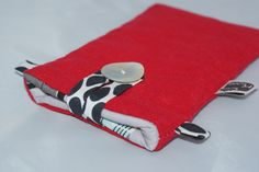 Etui téléphone Samsung Galaxy S4/S5 ou iPhone 6 en Lin rouge et coton Bio : Etuis portables par kumoandfriends