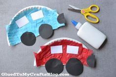 Paper Plate Cars {Kid Craft}-fun for Transportation theme! Daycare Crafts, Kids Crafts, Easy Crafts For Toddlers, Car Crafts, Toddler Arts And Crafts, Preschool Art Projects, Paper Plate Crafts For Kids, Preschool Arts And Crafts, Toddler Art Projects