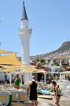 İslam Hoşgörü Dinidir. Plaja sıfır cami