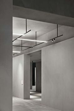 Interior design Lighting Building, Flos collections at Light+Building A sculptural and linear space designed by Vincent Van Duysen Interior Office Lighting, Interior Lighting, Lighting Ideas, Party Lighting, Club Lighting, Lighting Stores, Lighting Solutions, Kitchen Lighting, Track Lighting