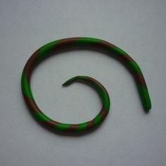 Écarteur fin vert et marron en fimo / 2 à 3 mm.