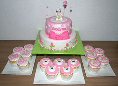 Sweet Bear Cake & Matching Cupcakes by Jeetjepin (© www.pinterest.com/jeetjepin) Inspired by Atelier_mm via Flickr.