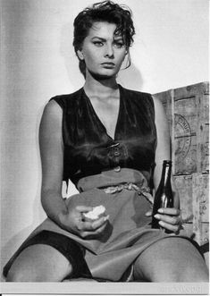 Sophia Loren in La Ciociara/Two Women; pose, sitting, casual form, hair, face, legs, arms, perspective, hands