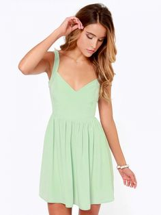 Green Sleeveless Bow Backless Dress