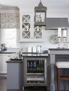 En nuestro artículo de hoy veras encimeras de cocina granito mármol o madera para elegir. Tambíen te damos unos consejos sobre estos materiales.