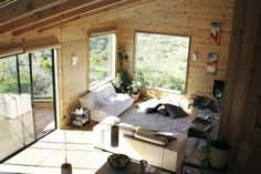 http://www.hahoy.com/wp-content/uploads/2012/10/warm-wooden-house-interiors-in-chile.jpg