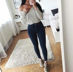 30 Chic Fall Outfit Ideas – Street Style Look. 37 Of The Best Looks Trending Today – 30 Chic Fall Outfit Ideas – Street Style Look. Teenage Outfits, College Outfits, Outfits For Teens, Fall Outfits, Summer Outfits, Look Fashion, Teen Fashion, Autumn Fashion, Fashion Outfits