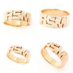 3 harfli aile yüzüğü, tamtur isimlerle alyans şeklinde de üretilebilinir. Dilerseniz taşsız olarak ta sipariş verebilirsiniz. @vovebox #taşlıyüzük #taşlıharfyüzük Stackable Name Rings, Name Earrings, Wedding Gifts For Friends, Wedding Jewelry For Bride, Mom Ring, Stylish Rings, Personalized Rings, Stone Rings, Jewelry Trends