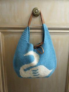 marble SUD crochet bag                                                                                                                                                     もっと見る Crochet Birds, Love Crochet, Beautiful Crochet, Knit Crochet, Crochet Ideas, Tapestry Bag, Tapestry Crochet, Crochet Handles, Purses And Bags