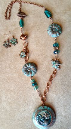 Antiquarian Garden 'Bee-U-tiful' Mixed Media Necklace & Earrings set - copper and verdigris Bling Jewelry, Wire Jewelry, Jewelry Crafts, Jewelry Art, Beaded Jewelry, Jewelery, Handmade Jewelry, Jewelry Design, Unique Jewelry