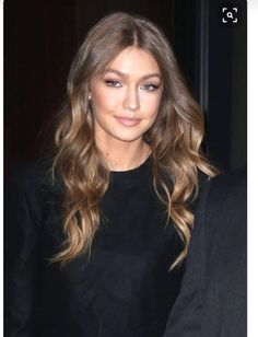 Gigi Hadid cool toned bronde hair