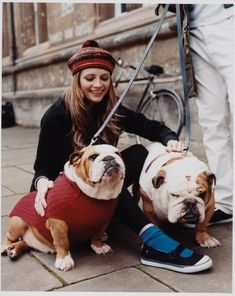 ~('▽'~) ~(˘▽˘)~ (~'▽')~ Mischa Barton and her bullies