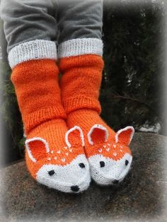 Knitting For Kids, Knitting Projects, Fun Projects, Knit Crochet, Hello Kitty, Gloves, Slippers, Sewing, Children