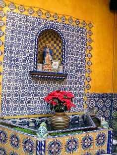 fountain, talavera factory Would love to go to the factory and see all of the beautiful pieces they make! Mexican Home Decor, Mexican Folk Art, Mexican Style, Spanish Colonial, Spanish Style, Monuments, Mexican Garden, Exterior Tiles, Talavera Pottery
