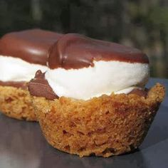 S'MORE CUPS Another pinner said: I have made these a few times- unbelievably easy & everybody loves them! I'm now asked to make them over & over again :) -Alethea