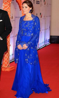 Kate Middleton stuns in Jenny Packham as she and Prince William attend Bollywood gala - HELLO! Kate Middleton Stil, Kate Middleton Pictures, Kate Middleton Dress, Kate Middleton Prince William, Duke And Duchess, Duchess Of Cambridge, Dress Outfits, Fashion Outfits, Royal Fashion