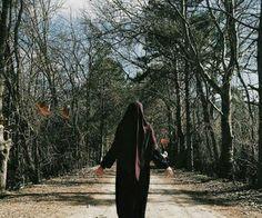 Hijab Niqab, Hijab Outfit, Mecca Kaaba, Dps For Girls, Beautiful Muslim Women, Iranian Women, Muslim Girls, Profile Photo, Dress Codes