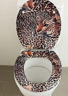Leopard Toilette