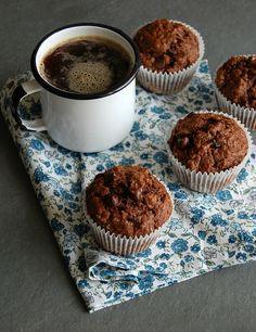 Chocolate, banana and coconut muffins / Muffins de chocolate, banana e coco