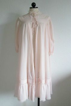 Vintage Pink Lace Trim Dressing Gown Robe