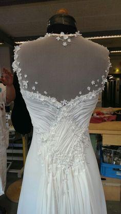 Lace Wedding, Wedding Dresses, One Shoulder Wedding Dress, Fashion, Bridal Dresses, Moda, Bridal Gowns, Wedding Gowns, Weding Dresses
