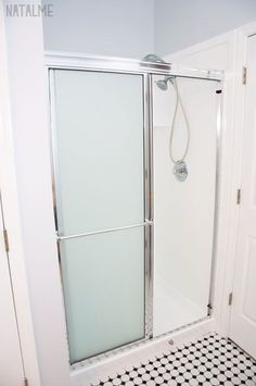 How to Paint a Shower with Tub & Tile Paint - natalme Tub And Tile Paint, Painting Bathtub, Tub Tile, Fiberglass Tub Cleaner, Fiberglass Shower Stalls, Tub Shower Combo, Shower Floor, Shower Tub, Stall Shower