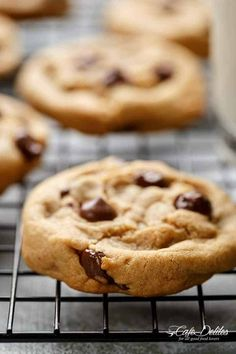 Easy Soft Chewy Chocolate Chip Cookies | https://cafedelites.com
