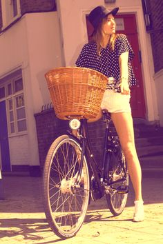 Seventies style on a Pashley #bicycle.