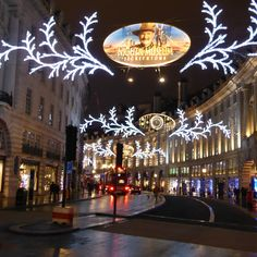 Regent Street, London, Christmas 2014,  www.buddylondon.com