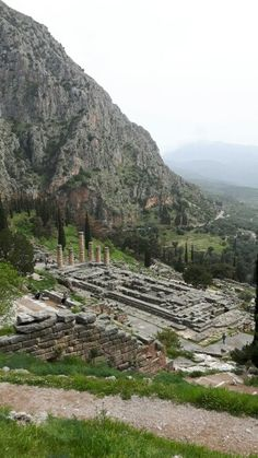 Delphi, Temple of Apolo, Greece. Photo by George Smyrnis