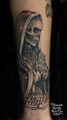 FERNANDO MARTIN TATTOO (Mas que arte Valladolid) Santa muerte en antebrazo. Death tattoo in arm with black and grey. Chicano tattoo, spanish tatuaje.