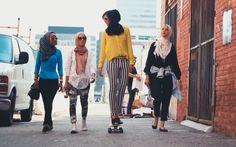 "Article: ""Somewhere in America, Muslim Women Are 'Cool'"" by Sana Saeed -… Artikel: ""Irgendwo in Amerika sind muslimische Frauen"" von Sana Saeed – The Islamic Monthly Muslim Fashion, Modest Fashion, Hijab Fashion, Women's Fashion, Islamic Fashion, Street Fashion, Design Set, Muslim Girls, Muslim Women"