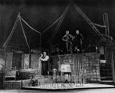 death of a salesman original set - Elia Kazan