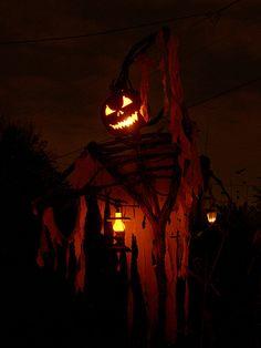 Halloween Horror, Halloween Art, Halloween Decorations, Zombie Wallpaper, Haunted Attractions, Horror Pictures, Yard Haunt, Scarecrows, Halloween Birthday
