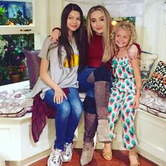 Love this cutie to death. Disney Cast, Disney Magic, Sabrina Carpenter, Adventures In Babysitting 2016, Riley And Lucas, Sophia Carson, Disney Actresses, Girl Meets World, Disney Stars